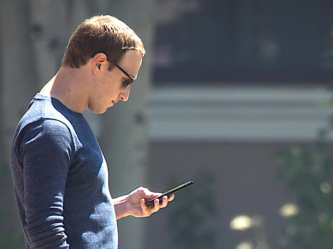 Mark Zuckerberg forced all Facebook executives to use Android phones